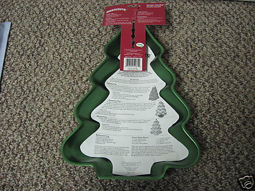 WILTON HOLIDAY CHRISTMAS TREE ALUMINUM CAKE PAN NEW